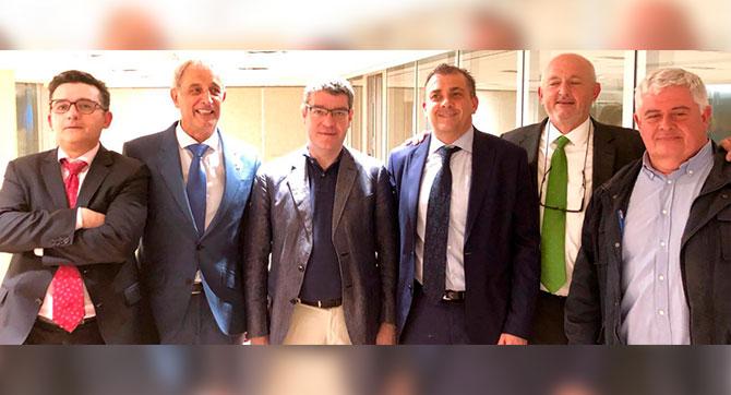 Imagen de la reunión con Álvaro Nadal